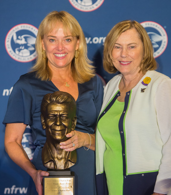 National Federation of Republican Women Presents Reagan Award to Texas GOP Leader